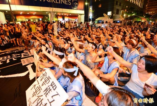 呂秋遠強調,「罷工不是請客吃飯」,罷工本來就是要造成損失,資方才會妥協。(資料照,記者王藝菘攝)