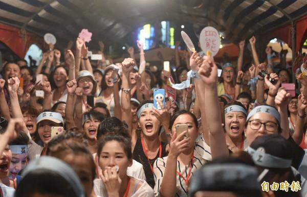 華航罷工,工會宣布獲勝。(記者方賓照攝)