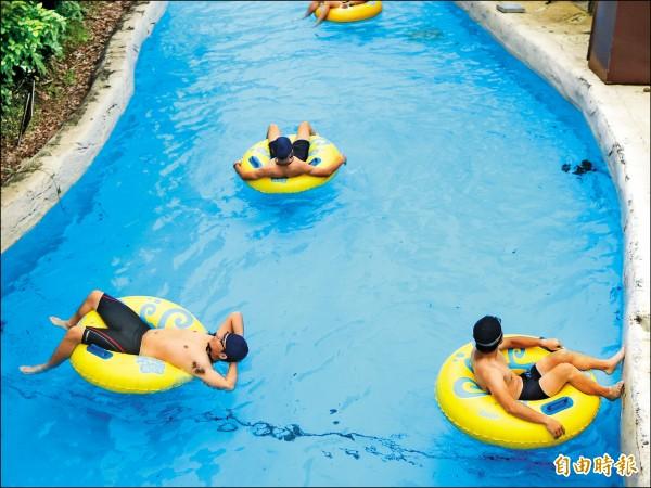 麗寶樂園馬拉灣漂漂河,水深僅90公分,卻傳出溺水憾事。(記者張軒哲攝)