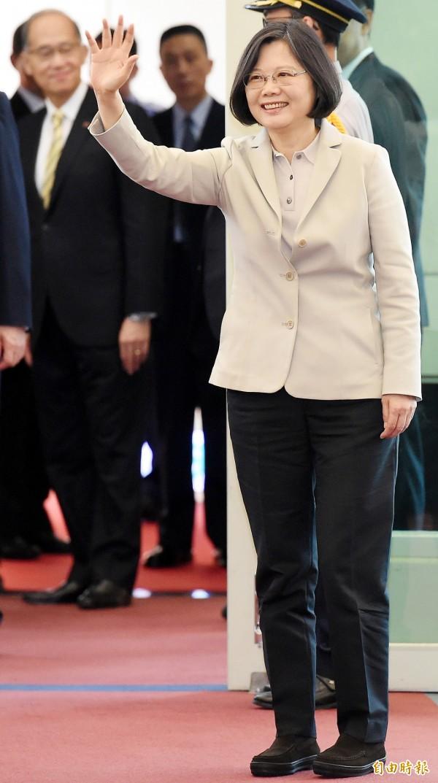 蔡英文總統24日上午搭機出訪,展開9天8夜的「英翔專案」。(資料照,記者朱沛雄攝)