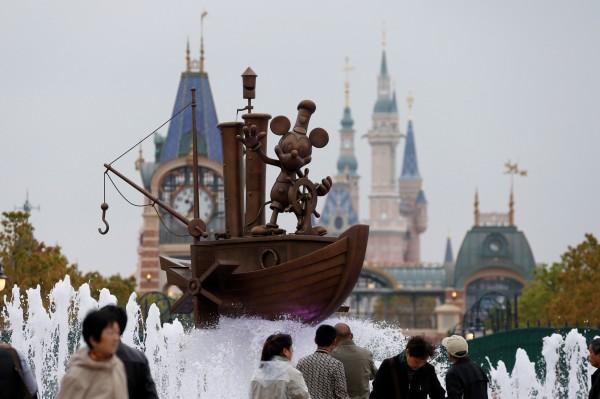 上海迪士尼6月16日開幕,目前也傳重慶將參與迪士尼在中國中西部設點的選址競爭。(路透)