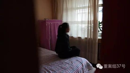 中國內蒙古驚傳國中少女性侵案,一名13歲的女國中生因不堪長期遭性侵,自殺未遂讓整起案件曝光。(圖擷取自新浪網)