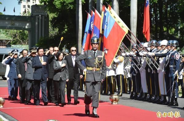 總統蔡英文今參加三軍五校畢業典禮。(記者張忠義攝)