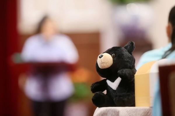 總統蔡英文今天接見台北市中山國小身障資源班師生及家長時說,孩子們用行動證明,只要目標一致,相信自己,相信團隊,就沒有不能克服的難關。(取自蔡英文臉書)