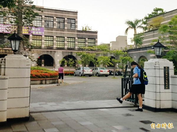 宜蘭縣高中職含部份五專免試入學今天放榜,錄取率達9成8。(記者簡惠茹攝)