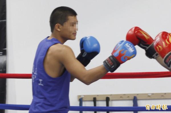 麥生國中開始練拳,曾入選亞青、世青國手,今天遭警方移送。(記者邱芷柔攝)