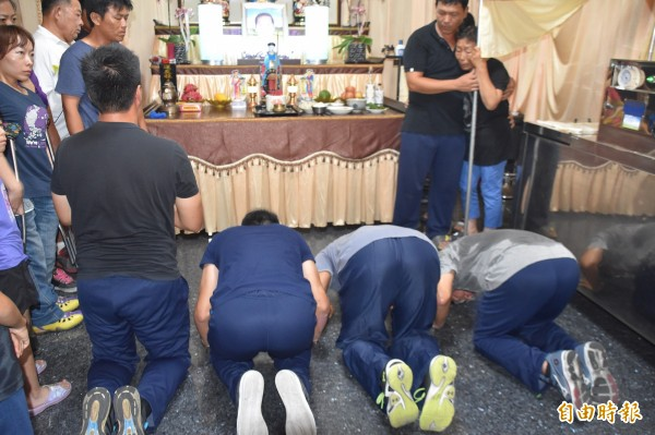 葉毓蘭認為,闖禍4人在靈前長跪、瞻仰遺容,可能比送軍法要來的嚴厲百倍。 (資料照,記者蘇福男攝)