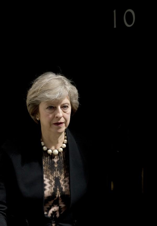 保守黨5日展開第一輪黨魁初選,由於保守黨為執政黨,黨魁即是首相,而目前最熱門人選為內政大臣梅伊(Theresa May),英國有機會出現「鐵娘子」第二。(美聯社)
