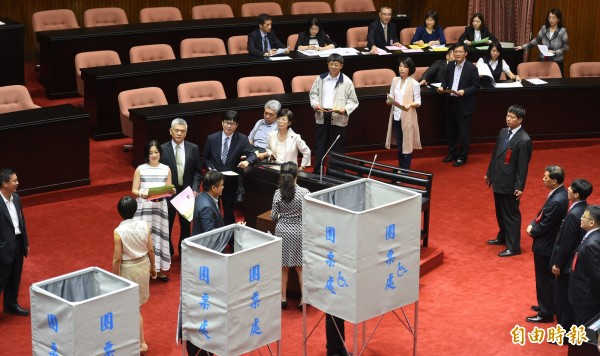 NCC委員會投票,國民黨除陳雪生外集體缺席。(記者張嘉明攝)