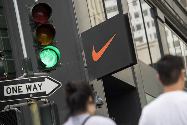 知名運動品牌Nike遭綠色和平點名,未落實「去毒承諾」,對此,Nike發出聲明表示,Nike一直專注於解決供應鏈中可能使用有害化學物質的問。(彭博)