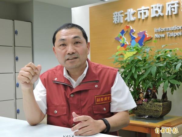 新北市副市長侯友宜表示,基於地方政府照顧市民而探視傷者,並不知道傷者是嫌疑人。(記者何玉華攝)