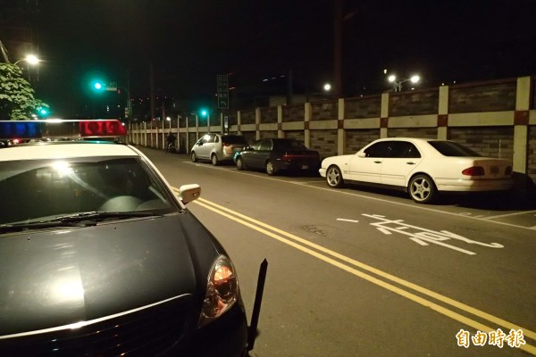 台北市颱風期間開放紅黃線停車,須於9日早上8點前駛離。(資料照,記者于衡攝)