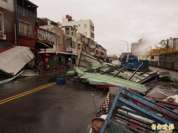在尼伯特颱風中受損最嚴重的台東地區,有16萬戶停電還有部分居民飽受停水之苦。(資料照,記者王秀亭攝)