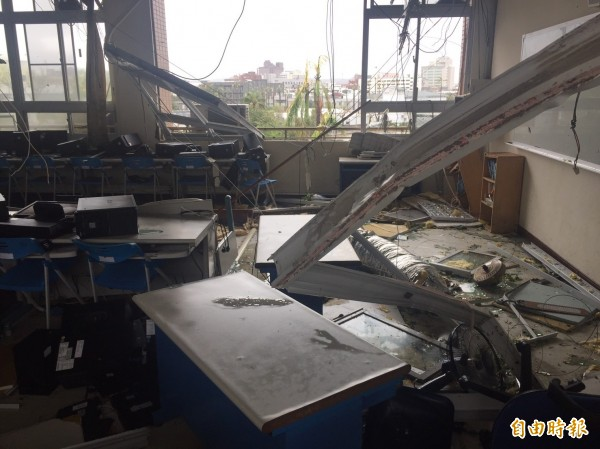 東海國中4樓綜合教室受創慘重。(資料照,記者張存薇攝)