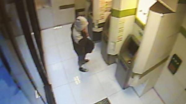 第一銀行20家分行的34台自動櫃員機(ATM),被俄羅斯籍嫌犯盜領新台幣7000萬餘元。(第一銀行提供)