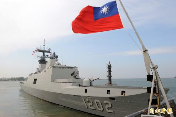 海軍康定級艦將提前至明天出發執行巡弋任務。(資料照,記者張忠義攝)