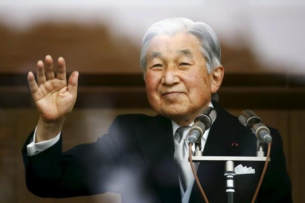 日本宮內廳的相關官員表示,天皇有意「生前讓位」。(路透)