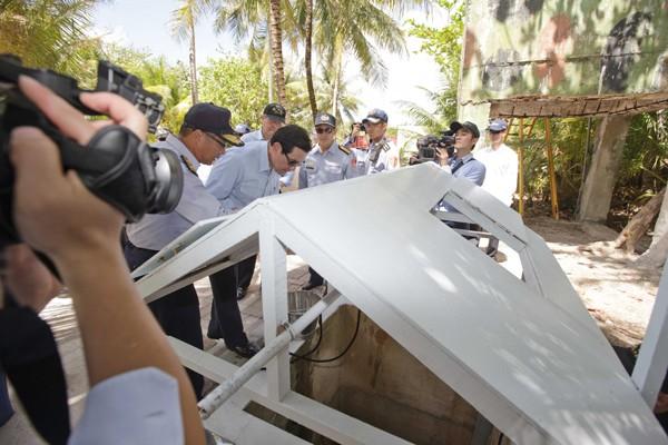 菲律賓質疑太平島上的雖然有井,但不是全年都有水喝,海巡署昨反駁,每天可產生六十五噸淡水。(軍聞社提供)