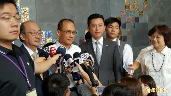 行政院長林全上午表示,希望戴立忍事件不要成為一個常態。(記者蔡彰盛攝)