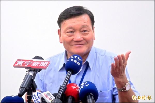 台北市體育局長鄭芳梵上任第一天,強調「體育人不出來,對不起全國同胞!」(記者郭安家攝)