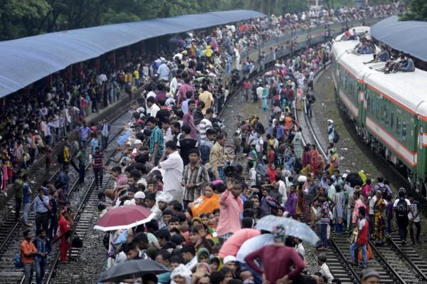孟加拉人口眾多,如果發生大地震恐怕是一場災難。(歐新社)