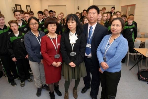 英國BBC製作影片,記錄了中國老師教英國學生時,文化及教育體制價的顯現。(公共電視提供)