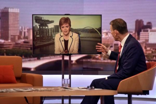 蘇格蘭民族黨(SNP)黨魁兼蘇格蘭首席大臣史特金(Nicola Sturgeon)17日表示,最快明年再次舉辦蘇格蘭獨立公投。(路透)