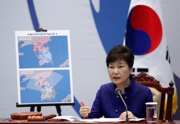 朴槿惠今日表示堅決部署薩德,也說國民如被煽動、與政府對抗,就正中北韓下懷。(歐新社)