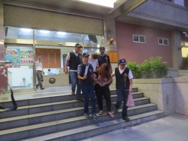 警方昨將兩人傳喚到案,陳女坦承獲利不法所得20餘萬元,訊後依詐欺罪嫌移送。 (記者王駿杰翻攝)
