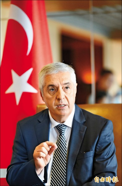 駐台北土耳其貿易辦事處駐台代表艾瑞康(Ismet Erikan)希望外交部評估後,能再調降旅遊警示。(記者張嘉明攝)