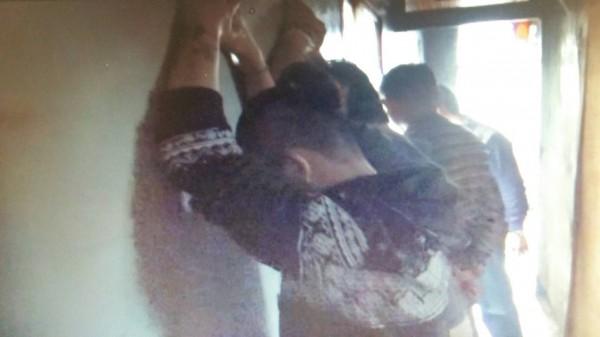 檢警查獲郭男(左)涉嫌借高利貸讓被害人購買毒品。(記者廖淑玲翻攝)