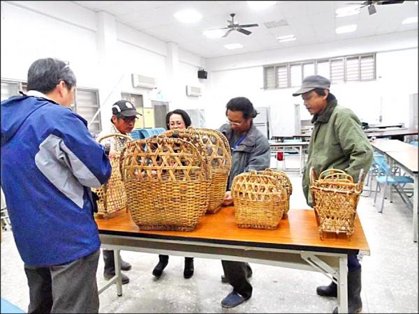 卓溪鄉山里部落族人的賽德克傳統籐編,為今年新登錄的文化資產。(記者花孟璟翻攝)