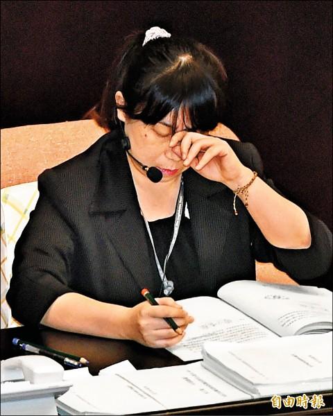 議事宣讀人員蕭女士疑因過度操勞,突然昏倒在立院廁所,送醫急救。(記者廖振輝攝)