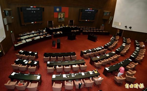 立法院各黨團經過一日的協商,終於達成共識。(記者方賓照攝)