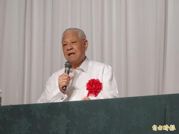李登輝今天在日本石垣島對日本全國青年市長會會員、市議員進行半小時左右的演講。(記者蘇芳禾攝)