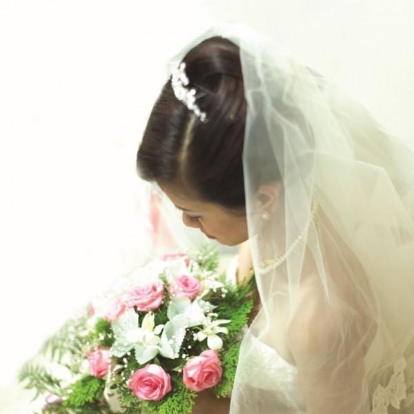 一名女子近日即將舉辦婚宴,她在臉書直接公開婚宴的基本最低消費,讓網友直呼「傻眼」。(資料照,圖非當事人)
