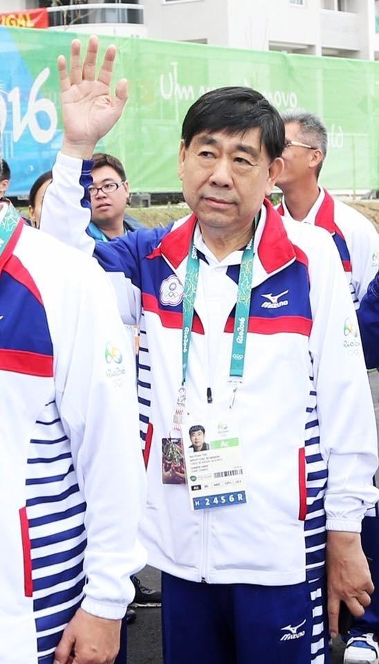 中華奧會副主席蔡賜爵被爆,私人經營「運佳旅行社」長期為運動賽事門票的總代理,還承攬我國選手包機出國比賽,有違利益迴避原則。(圖擷自臉書)