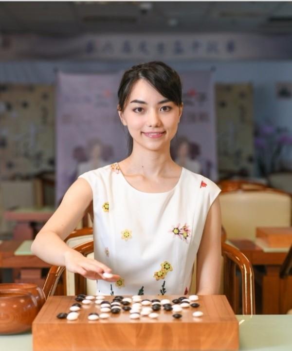 第二屆女子圍棋最強戰,黑嘉嘉挑戰二連霸。(主辦單位提供)