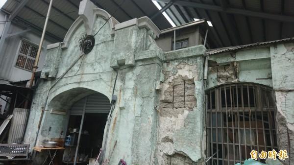 台南市市定古蹟「西市場」,預計明年初展開修復。(記者劉婉君攝)