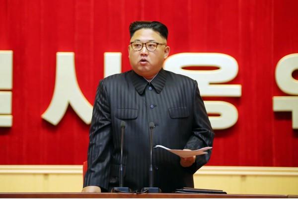 北韓最高領導人金正恩近日透過官方媒體宣傳,稱狗肉富含比雞肉和牛肉更多的維他命,是個「超級食物」。(資料照,法新社)