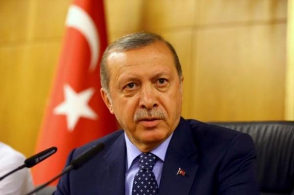 土耳其7月發生軍事政變失敗後,總統艾多根(Tayyip Erdogan)展開全面整肅行動,今天宣布將提前釋放3萬8000名囚犯,騰出空位來關押政變者。(路透)