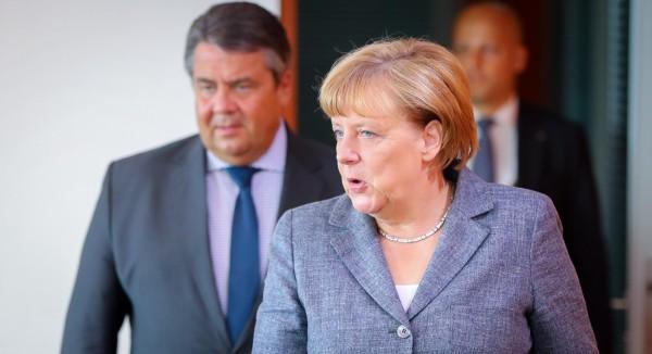 德國總理梅克爾昨日出席柏林附近的發表會,並表示難民並沒有給德國帶來恐怖主義。(美聯社)