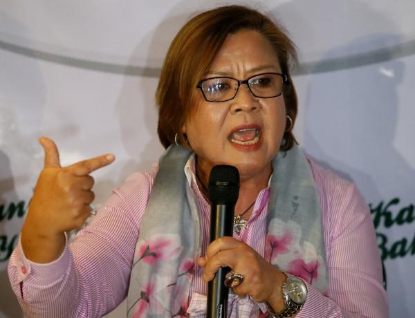 菲律賓女參議員德利馬遭總統杜特蒂指控涉毒,德利馬今日召開記者會回擊,稱若有證據願在總統面前被槍殺。(美聯社)