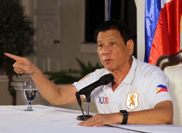 杜特蒂不滿聯合國批評自己以重刑處死毒販的行為是「違反基本人權」,今(21)日親上火線,以約2小時的演說重砲回擊聯合國,並揚言菲律賓將「退出聯合國」。(歐新社)
