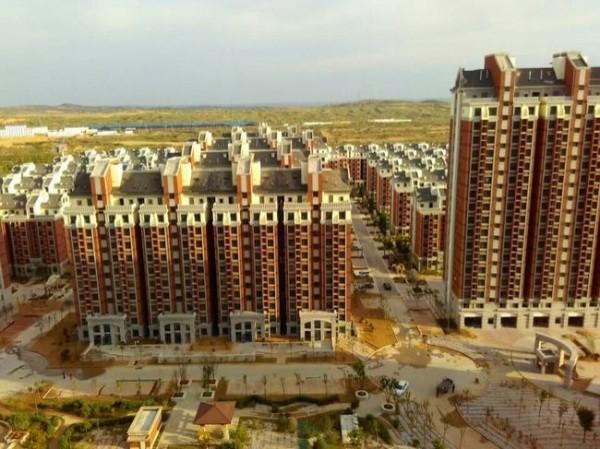中國網友們紛紛痛批政府捉弄百姓,認為既然公宅是政府的政策,就有責任解決問題,更有人說這是官商勾結的惡果。(圖截自中國網路)