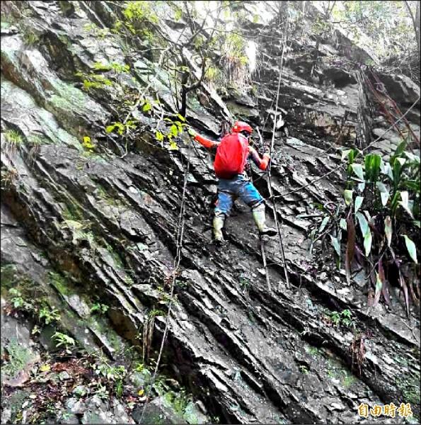 南投縣消防救災人員,經常須克服山高水深的險惡環境冒險救災,建立登山安全機制,堪稱是他們共同的心聲。(記者謝介裕攝)