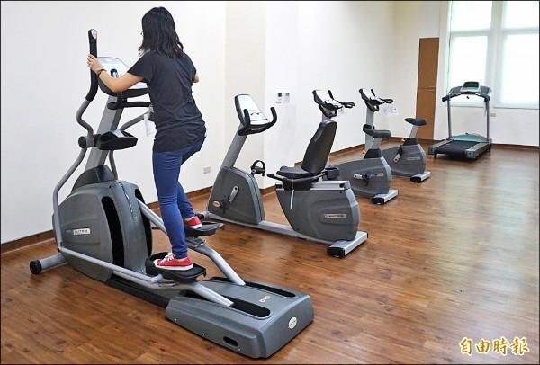 女生宿舍設有健身房,提供護理人員運動健身。(記者歐素美攝)