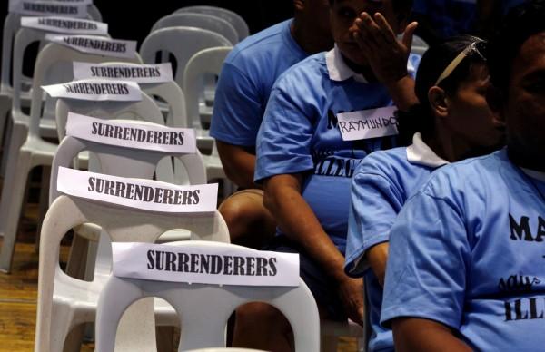 菲律賓總統杜特蒂(Rodrigo Duterte)上台後祭出鐵腕手段掃毒,不少人紛紛投降。(資料照,路透)