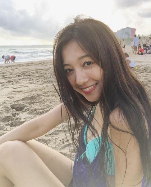 吳怡德參加柯夢微女神Bikini Party競賽,去烏石港做活動。(圖擷取自Instagram「sabrina810914」 )