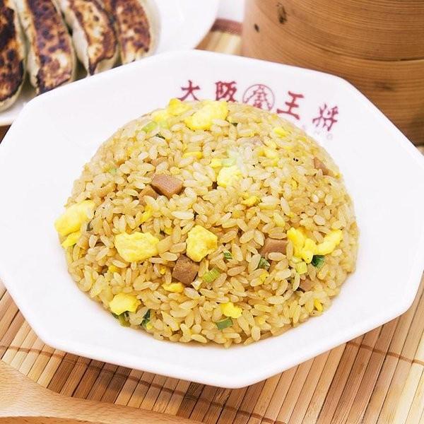 大阪王將招牌料理有餃子、炒飯等中華料理。(圖擷取自大阪王將推特)